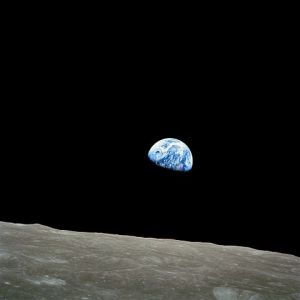 480px-NASA-Apollo8-Dec24-Earthrise